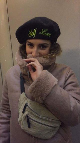berêt self love - Topshop // Banane - Urban Outfitters